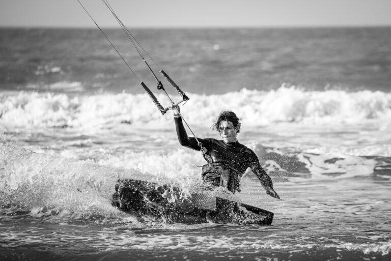 Surfer_kitesurfen_Knokke_Noordzee_Loïc